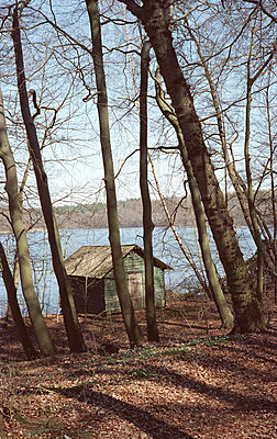 Wooden cabin - p0830060 by Thomas Lemmler