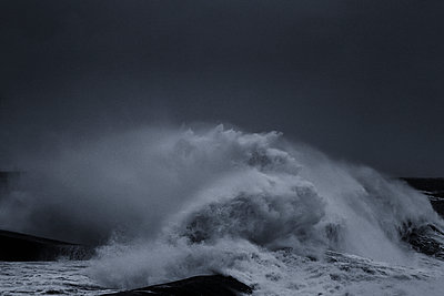 Surging billows on the coast - p910m1159399 by Philippe Lesprit