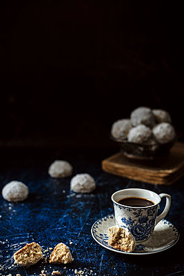 Russian tea cakes - p1392m1516888 by Federica Di Marcello