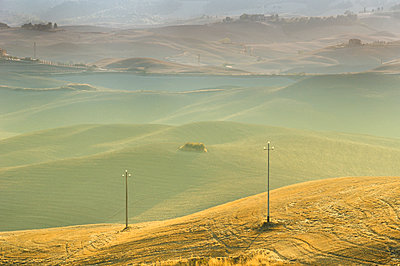 Tuscany landscape - p416m990804 by Thomas Schaefer