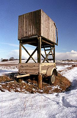 Hochsitz im Schnee - p0890007 von Gerd Olma