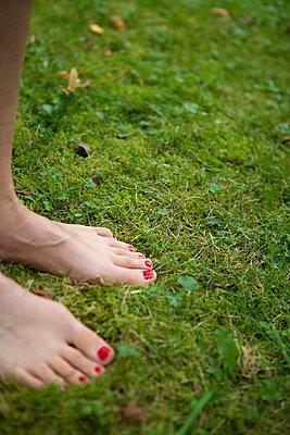 Barefoot - p454m739696 by Lubitz + Dorner
