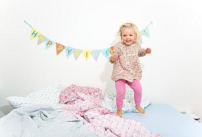 Birthday hopper - p454m1143705 by Lubitz + Dorner