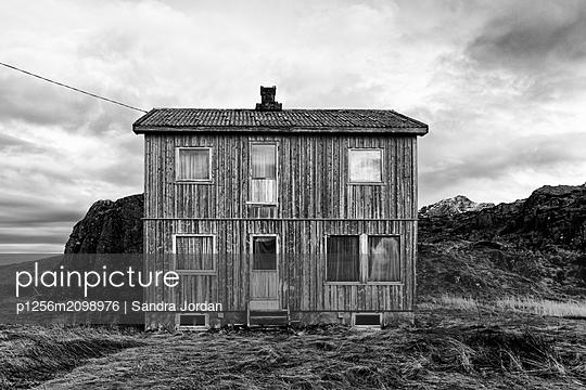 House, Lofoten - p1256m2098976 by Sandra Jordan