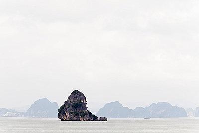 Halong-Bucht - p910m778243 von Philippe Lesprit