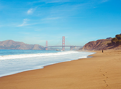Golden Gate Bridge - p432m1082621 von mia takahara