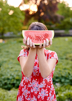Watermelon - p1124m1134794 by Willing-Holtz