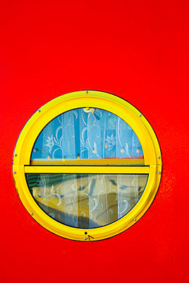 Houseboat detail - p4320965 by mia takahara