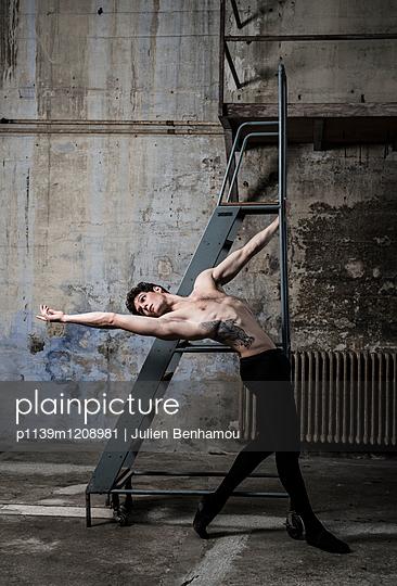 Tanz - p1139m1208981 von Julien Benhamou