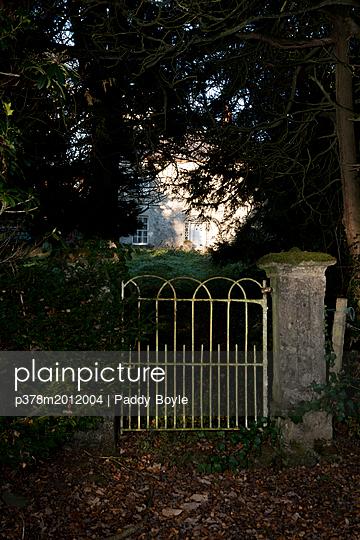 p378m2012004 von Paddy Boyle