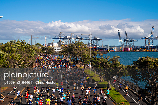 Fun run along Auckland waterfront - p1369m2164461 by Chris Hooton