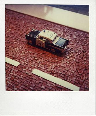 Miniature monochrome - p9111476 by Gaëtan Rossier