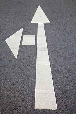 Road marking, Arrows - p300m950990f by Wilfried Wirth
