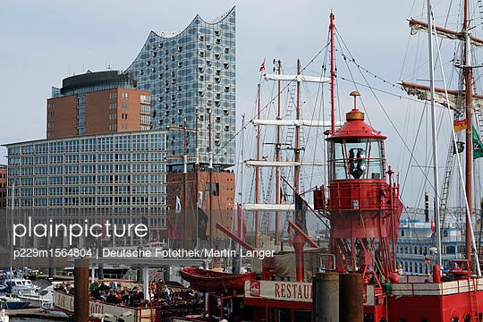 Elbphilharmonie Hamburg - p229m1564804 von Martin Langer