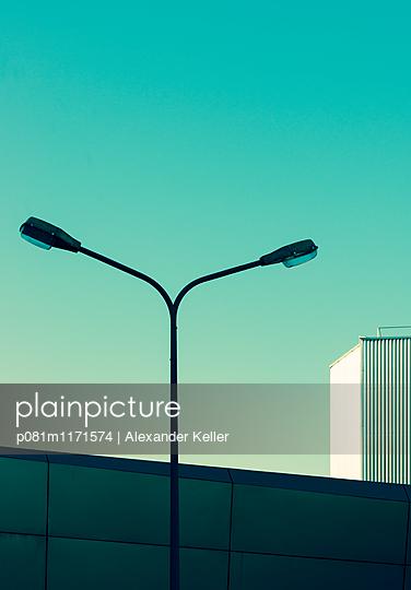 Straßenlaterne - p081m1171574 von Alexander Keller