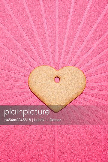 Festival of love - p454m2245318 by Lubitz + Dorner