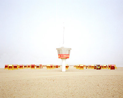 Beach Timmendorf with lifeguard - p2686846 by Matthias Schmiedel