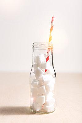 Sweet drink - p454m1492472 by Lubitz + Dorner