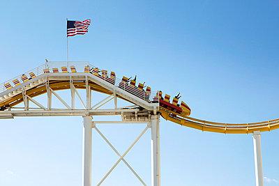People in a rollercoaster - p8560135 by Pierre Baelen