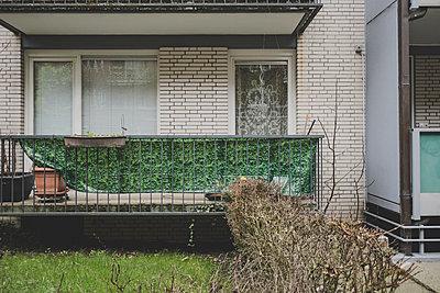 Balkonien Tristesse - p1345m1496379 von Alexandra Kern