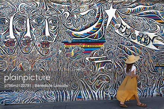 East Side Gallery  - p756m2122791 by Bénédicte Lassalle