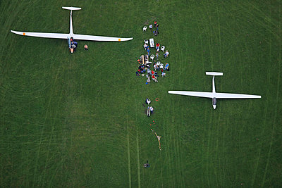 Glider - p1016m755484 by Jochen Knobloch