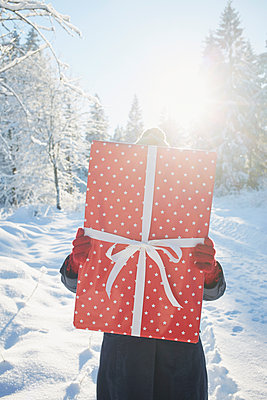 Geschenke - p464m1109103 von Elektrons 08