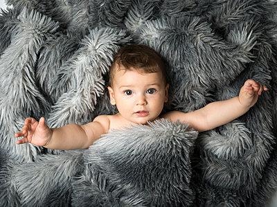 Baby, Porträt - p393m1525755 von Manuel Krug