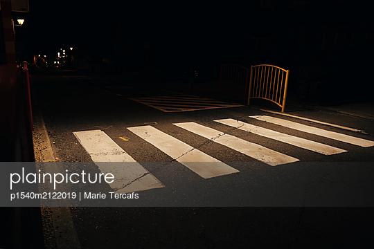 Crosswalk lines in light - p1540m2122019 by Marie Tercafs
