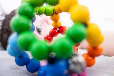 Rainbow rattle - p1513m2221804 by ESTELLE FENECH