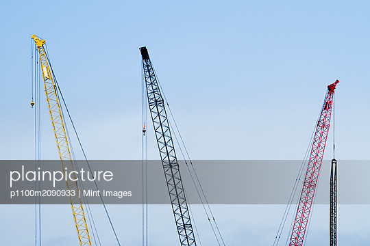 Colorful Tower Cranes - p1100m2090933 by Mint Images