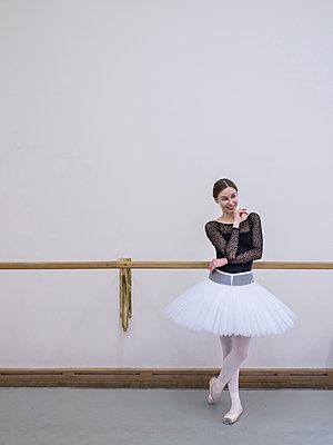 Ballerina - p390m2053582 by Frank Herfort