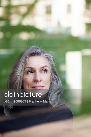 p981m2086989 by Franke + Mans
