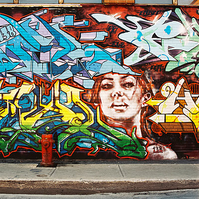 Graffiti - p1195m1028229 von Kathrin Brunnhofer