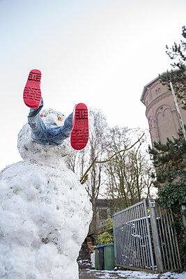 Scary snowman - p1231m1225859 by Iris Loonen