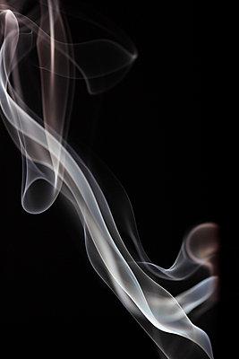 Rauchformen - p179m741594 von Roland Schneider