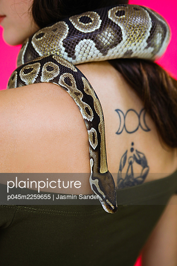 p045m2259655 by Jasmin Sander