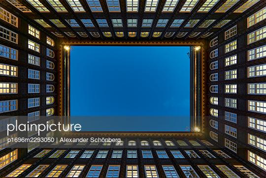 Courtyard - p1696m2293050 by Alexander Schönberg