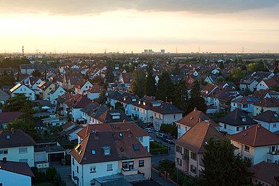 Ilvesheim vom Kirchturm im Abendlicht - p347m952652 von Georg Kühn