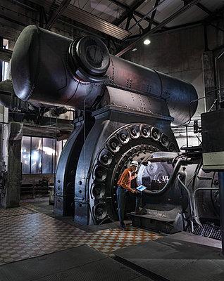 Industrial monument of the turbine hall, Völklinger Hütte - p390m2063879 by Frank Herfort