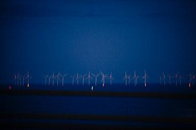 Denmark, Wind turbines in Oeresund - p1579m2193472 by Alexander Ziegler