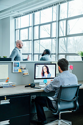 Business people on video conference - p555m1503946 by FS Productions