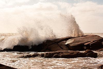 Waves splashing on rock - p623m2186532 by Pablo Camacho