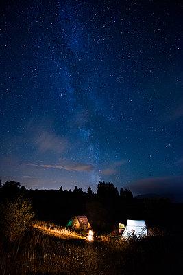 Camping - p829m938232 by Régis Domergue