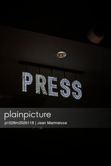 Press LED sign - p1028m2026118 von Jean Marmeisse