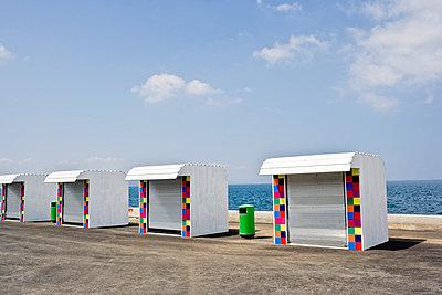 Kioske am Meer - p5350261 von Michelle Gibson