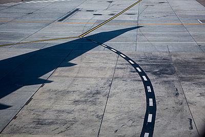 Flughafen - p628m966177 von Franco Cozzo