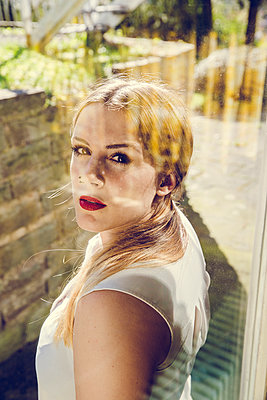 Portrait - p904m1133713 von Stefanie Päffgen