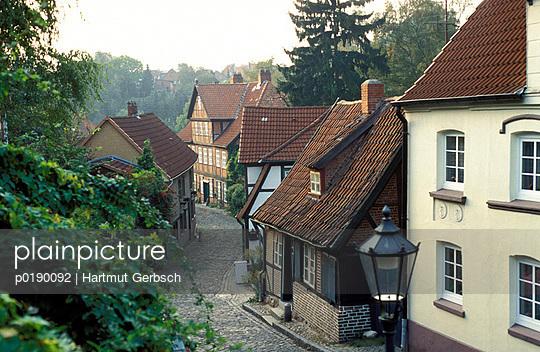 Gasse in Lauenburg - p0190092 von Hartmut Gerbsch
