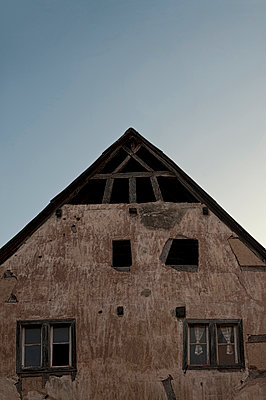 Old half-timbered house in Germany - p470m2089766 by Ingrid Michel